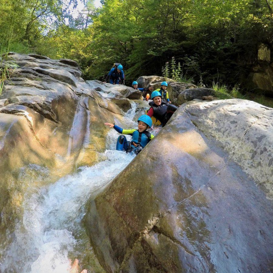 Barranquismo para niños en Pirineos