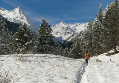 Actividad de aventura con raquetas de nieve