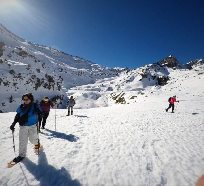 Rutas y ascensiones con raquetas de nieve
